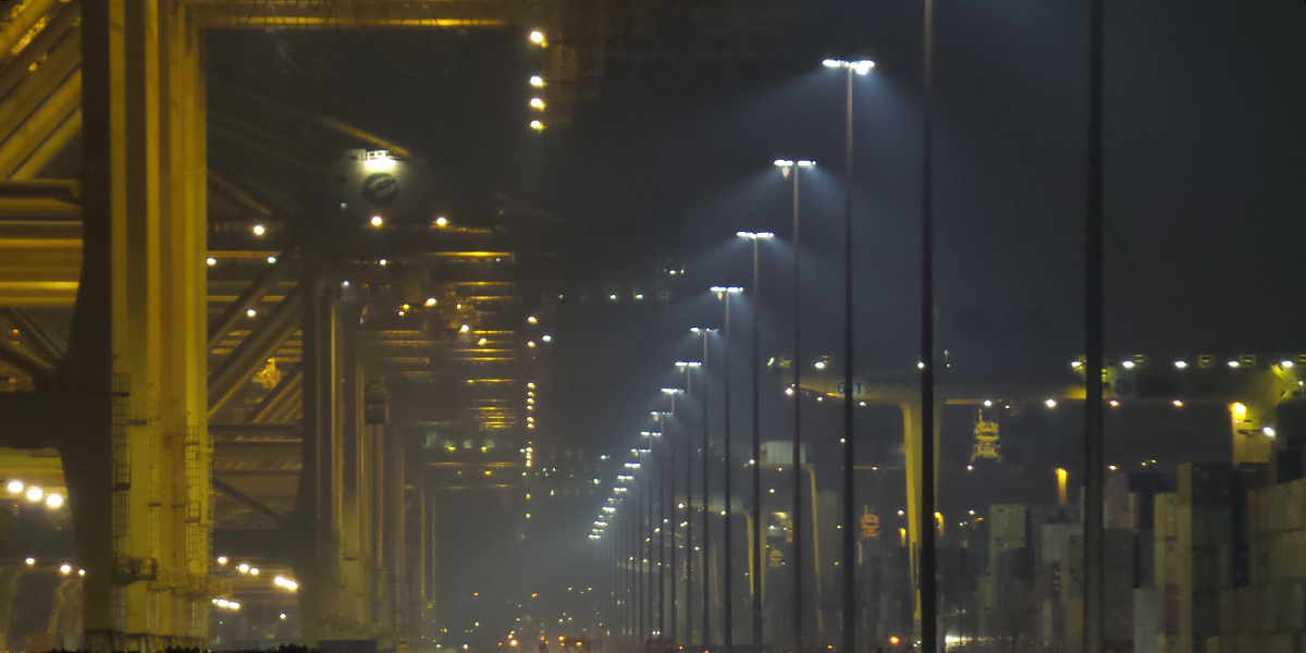 DP World Jebel Ali Port Terminal 2 - Fuente de luz LED