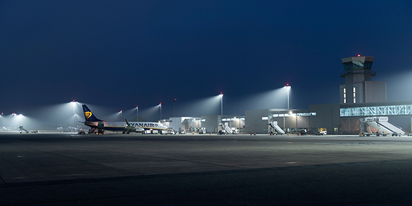 The world leader in lighting musco sports lighting bristol airport reduces energy consumption operating costs with led apron lighting cheapraybanclubmaster Choice Image